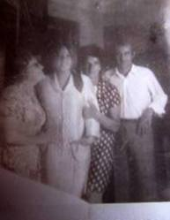 Mi madre y ,mi hermana Marisa en 1º plano
